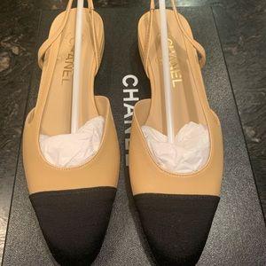 NIB CHANEL Two-Tone Beige Black Leather Shoes 37